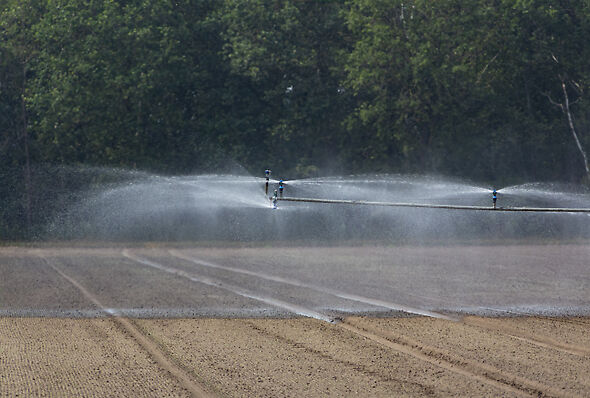 Gain extra throw with the R55VT end-of-boom sprinkler.